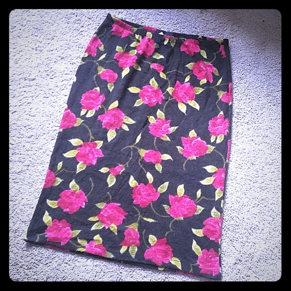 Wanted Rose Skirt